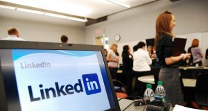 alphagamma how to pitch journalists over linkedin to get a response entrepreneurship